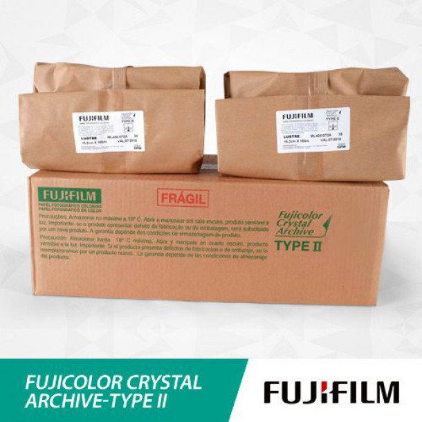 Papel Fujifilm Fujicolor CATII Brilho 15,2cm x 186m
